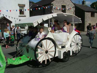 Tideswell Carnival - Wakes Queens